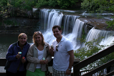 Heather, Missy, and Ben - Chagrin Falls, OH ... May 26, 2008 ... Photo by Rob Page Jr.