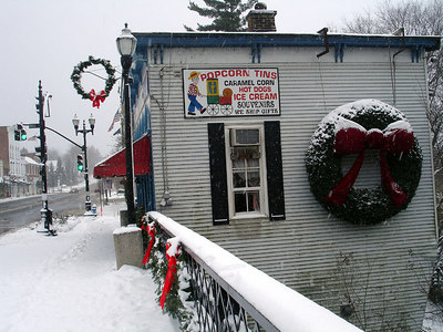 The Popcorn Shop - Chagrin Falls, OH ... November 24, 2005 ... Photo by Rob Page III