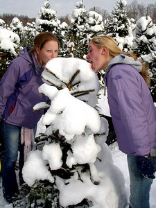 Emily and Heather in the snow - Novelty, OH ... November 26, 2005 ... Photo by Rob Page III