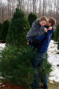 Lifting Emily up - Novelty, OH ... December 22, 2007