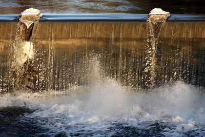 The upper falls - Chagrin Falls, OH ... December 21, 2008 ... Photo by Rob Page III