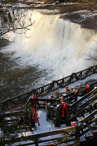 Chagrin Falls, OH ... December 21, 2008 ... Photo by Rob Page III