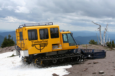 The snow cat that saved us hours of hiking across ski slopes - Mt. Hood, OR ... June 28, 2007 ... Photo by Nicole Page