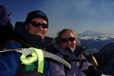John and Heather at the summit - Mt. St. Helens, WA ... June 30, 2007 ... Photo by Rob Page III