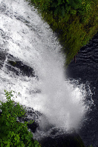 Multnomah Falls, OR ... June 29, 2007 ... Photo by Rob Page III