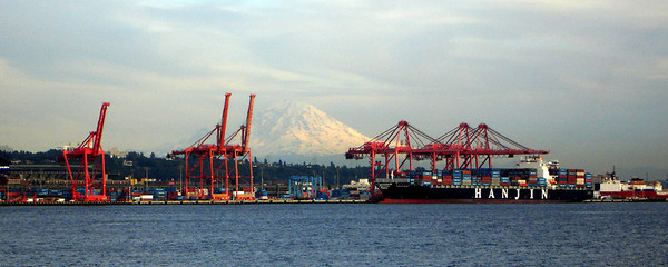 Mt. Rainier floats in the distance - Seattle, WA ... June 26, 2007 ... Photo by Rob Page III