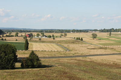 Looking down along Seminary Ridge (on left) - Gettysburg, PA ... August 16, 2008 ... Photo by Rob Page III