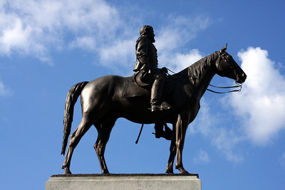 Robert E. Lee rides a top the Virginia Memorial - Gettysburg, PA ... August 16, 2008 ... Photo by Rob Page III