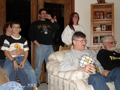 Watching the game - Pittsburgh, PA ... January 22, 2006 ... Photo by Rob Page III