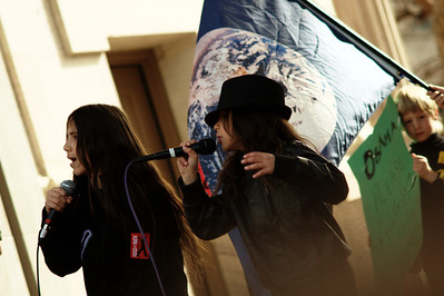 The youth hip-hop group Earth Guardians energized the crowd with a performance.