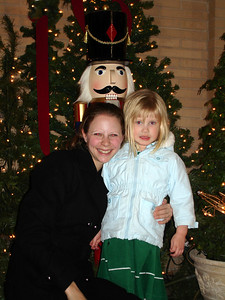Emily and Laura at the Jefferson Hotel - Richmond, VA ... December 24, 2005 ... Photo by Rob Page III