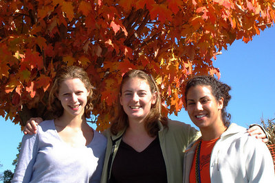 Emily, Mel, and Andrea - Centreville, VA ... October 15, 2006 ... Photo by Rob Page III