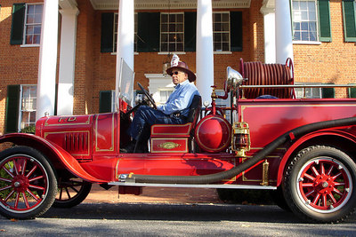 An old fashioned fire engine in front of the old plantation house - Millwood, VA ... October 21, 2006 ... Photo by Rob Page III