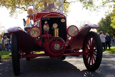 An old fashioned fire engine - Millwood, VA ... October 21, 2006 ... Photo by Rob Page III