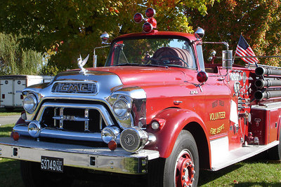 An old fire engine - Millwood, VA ... October 21, 2006 ... Photo by Rob Page III