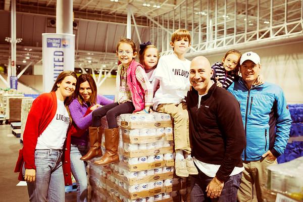 UW111417 THANKSGIVING FAMILY NIGHT SOCIAL MEDIA SELECTS