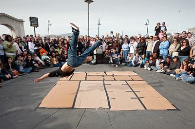 A break-dance show at Fisherman's Wharf.