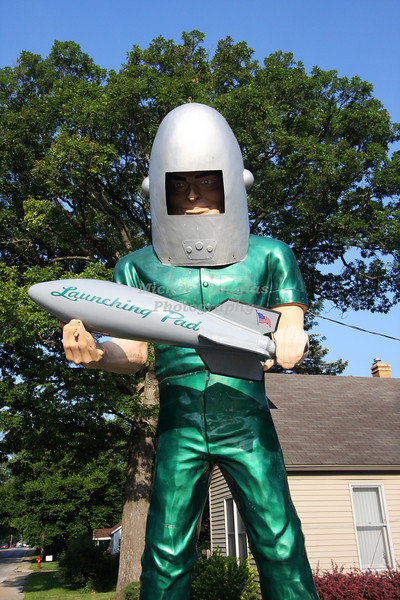 The Gemini Giant at the Launching Pad Drive-In located in  Wilmington, Illinois.