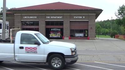 Lincolnwood Ill Engine & Ambulance 15 responding