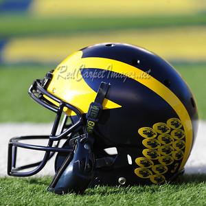 ANN ARBOR, MI - NOVEMBER 25:  College Football game between University of Michigan Wolverines and Ohio State University Buckeyes at Michigan Stadium on November 25, 2017 in Ann Arbor, MI (Photo by:  Aaron J. / Digital Depictions)