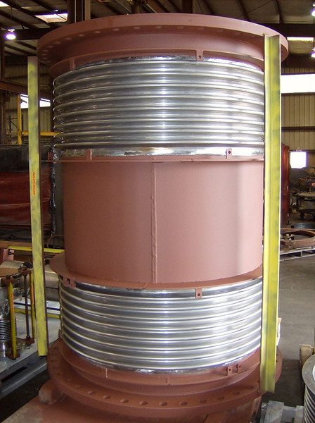 Tied universal expansion joint with the covers removed