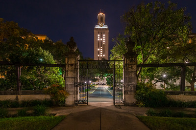 UT Tower lit 41 in tribute to former President George H. W. Bush.