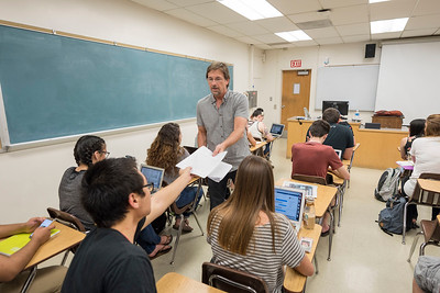 History faculty Bob Archer teaches in his HIST103 class on Thursday, May 4, 2017 in Chico, Calif. (Jason Halley/University Photographer)
