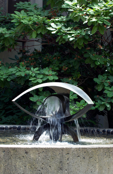 Fountain by George Tsutakawa in the courtyard of MacKenzie Hall.  This fountain was designed for the Seattle World Fair and later moved to the UW campus.  Tsutakawa designed over 75 fountains located in public spaces in the United States, Canada and Japan.  He was a UW faculty member for many years teaching in the School of Art and Department of Architecture.