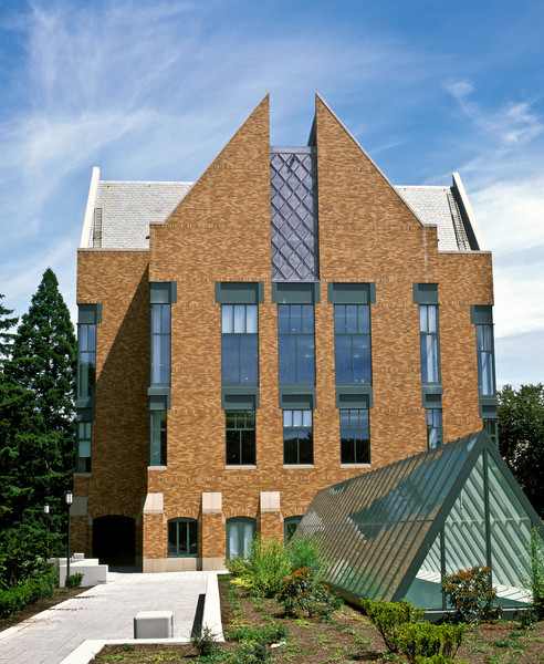 Originally built as the Seafirst Executive Education Center and later renamed the Bank of America Executive Education Center.  The triangular shaped glass structure in the bottom right is a skylight for the underground Foster Business Library.
