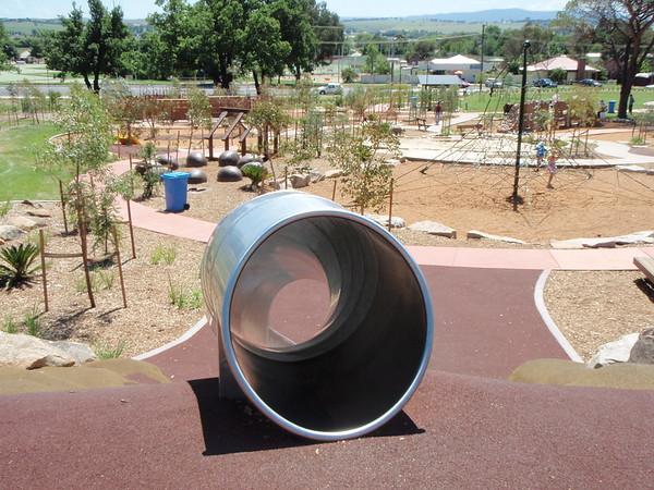 stainless steel tube slide on mound and pentagoda climbing net