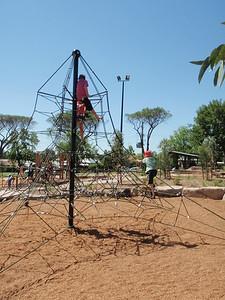 pentagoda climbing net