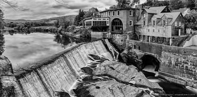 BW Simon Pierce Gallery on the River-3