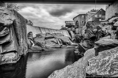 BW Simon Pierce Gallery on the River-1