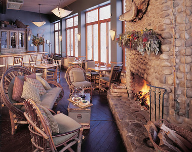 RIver Café Fieldstone Fireplace