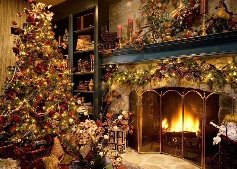 #60 Christmas Tree & Fireplace