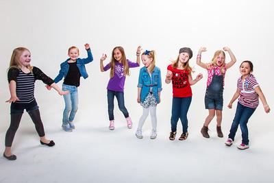 Jentene i 2A var og lekte seg i foto studio i Mars 2012