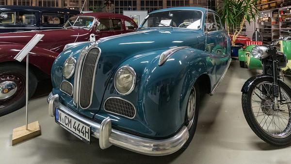 """BMW 501 """"Barockengel"""" (1955), in Merks Motor Museum, Nürnberg"""