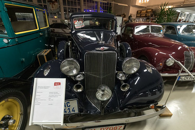 Pontiac 301 Eight 4-Door Sedan (1933), in Merks Motor Museum, Nürnberg