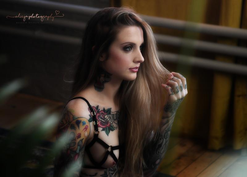 Model: Carolyn<br /> MUA: Glamboss Makeup