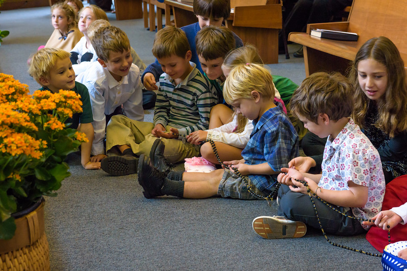 SJV Children Inspect a Large Rosary