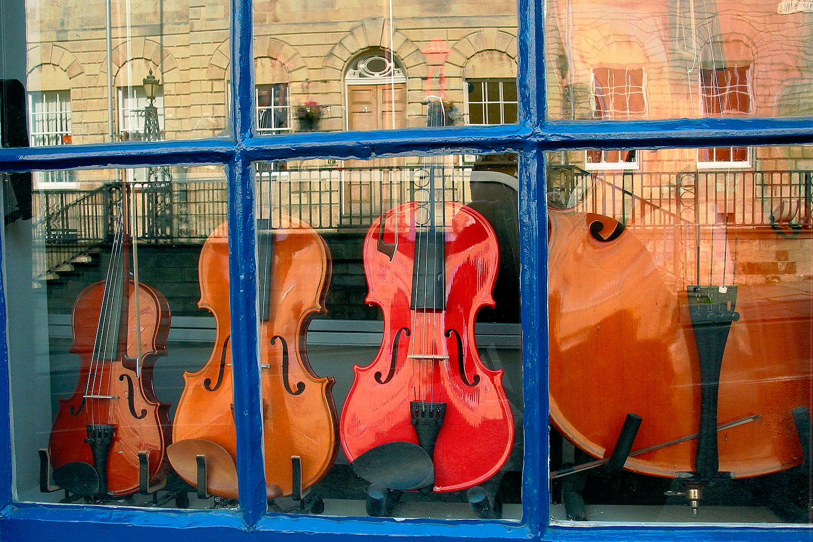 Stringed Instrument Shop -  Stamford England