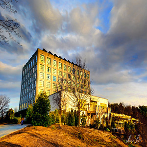 Proximity Hotel and Bistro