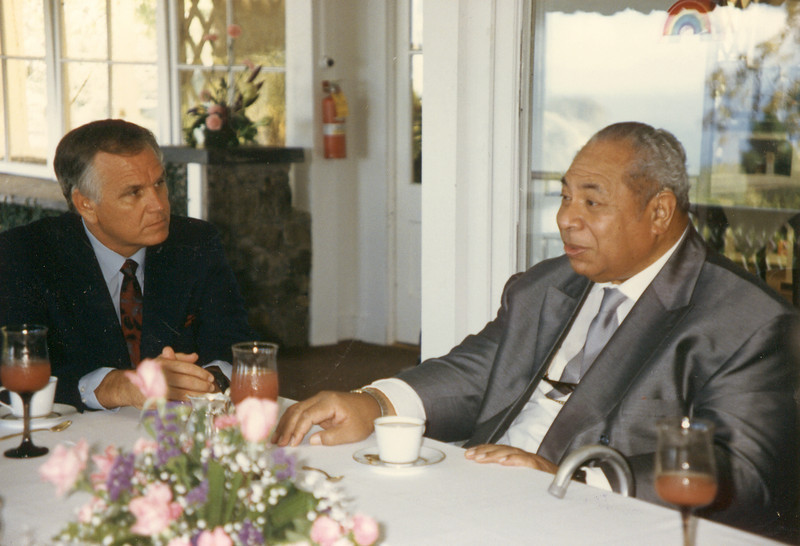 Loren meets with the King of Tonga