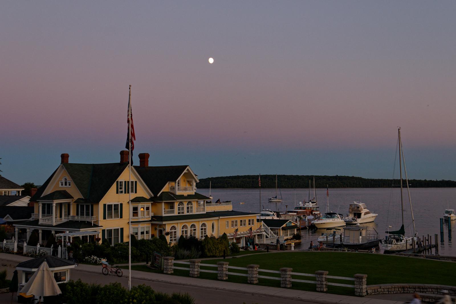 IMAGE: https://photos.smugmug.com/Up-North/Mackinac-Island-August-2020/i-s7h7Rcq/0/590ca963/X3/IMG_3210-X3.jpg