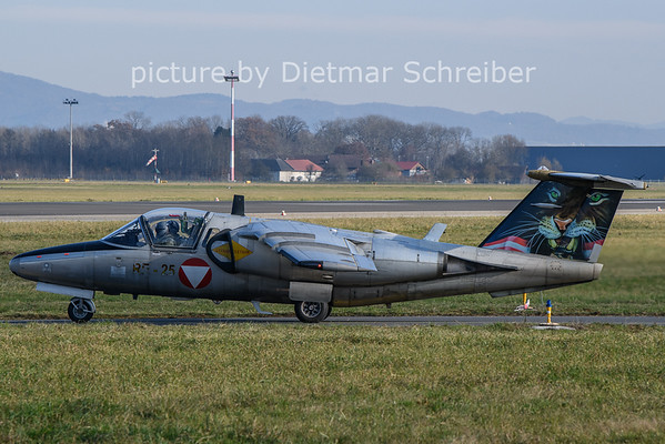2020-11-24 RE-25 Saab 105 Austrian Air Force