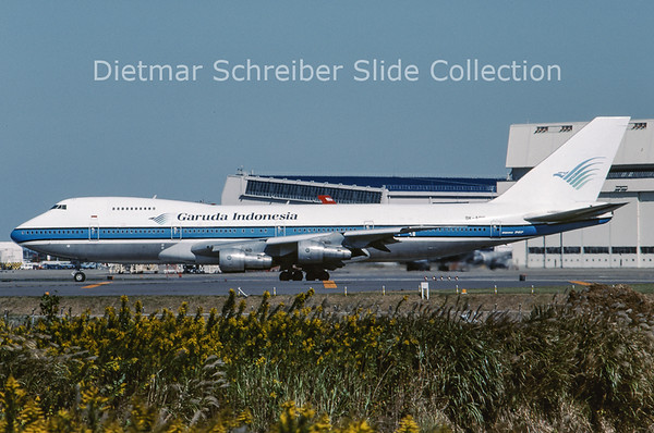 1989-11 9K-ADC Boeing 747-269B (c/n 21543) Garuda Indonesia