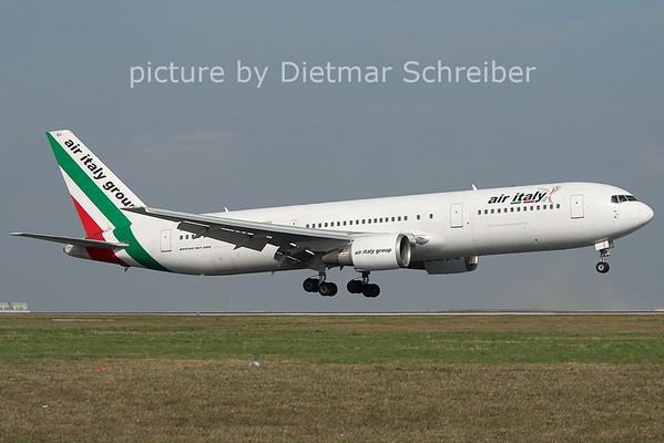 2011-03-31 I-AIGJ Boeing 767-300 Air Italy