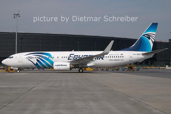 2011-04-28 SU-GDC Boeing 737-800 Egypt Air