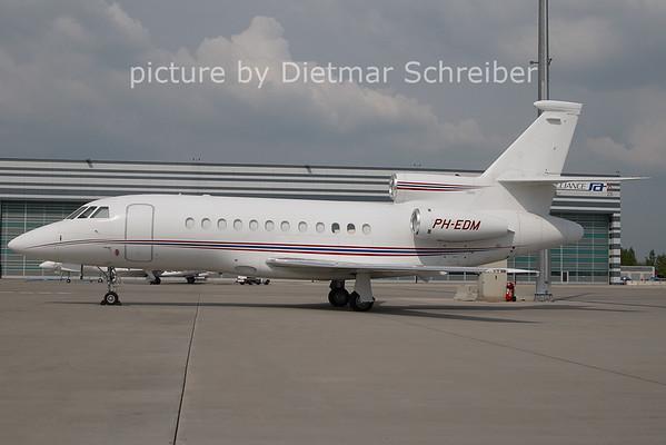 2011-04-29 PH-EDM Falcon 900