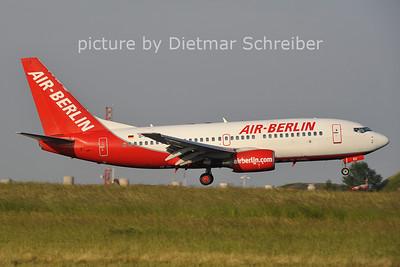 2011-05-31 D-AGEU Boeing 737-700 AIr Berlin